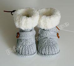 bottines bébé pour l'hiver (gris, avec bouton) : Mode Bébé par feetricoteuse