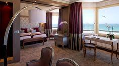 Idéalement situé face à la mer, le Grand Hôtel des Thermes de Saint Malo s'inspire, dans sa décoration de ses chambres, des cabines de paquebots de...