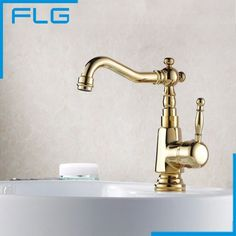 59.00$  Watch here - http://ali37u.worldwells.pw/go.php?t=545701138 - Free Shipping Gold Faucet Copper Hot and Cold Fashion Bathroom Basin Rotating Faucets, Kitchen faucet Tap Mixer 59.00$