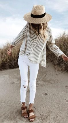 summer outfits Beach Look. Cozy Winter Outfits, Summer Outfits, Grey Fur Coat, Tan Skin, Beach Look, White Jeans, Long Sleeve Tops, Beautiful, Black