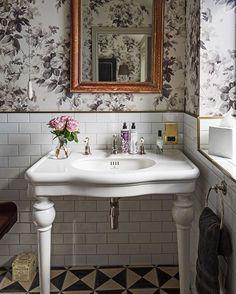 Cotswolds Project: #photooftheday #picoftheday #london #antique #interiors #interiordesign #interior #interiordecor #interiordecor #interiorandhome #interior4you #cotswolds #countryside #countrylife #countryliving #countryhouse #countrychic #instagood #wallpaper #bathroom #bathroomdesign #bathroomphoto #metrotiles