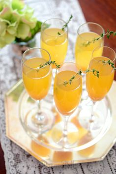 Peach and thyme sparklers