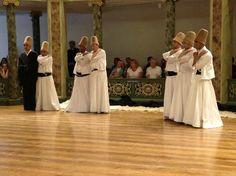 حفل موسيقى الصوفية ودراويش المولوية