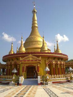Buddha Dhatu Jadi or Bandarban Golden Temple, Bandarban, Bangladesh http://www.travel-bangladesh.net/