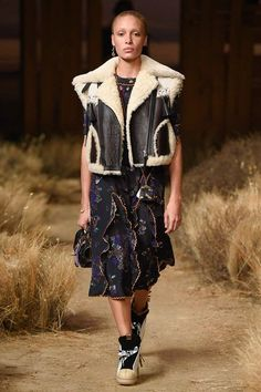 http://www.vogue.com/fashion-shows/fall-2017-ready-to-wear/coach/slideshow/collection