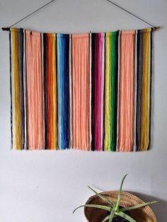 Best Decor Hacks : Mexican Serape Yarn Wall Hanging in Peach Diy Wand, Boho Decor Diy, Bohemian Wall Decor, Diy Yarn Decor, Diy Décoration, Easy Diy, Diy Crafts, Mur Diy, Diy Home Decor For Apartments