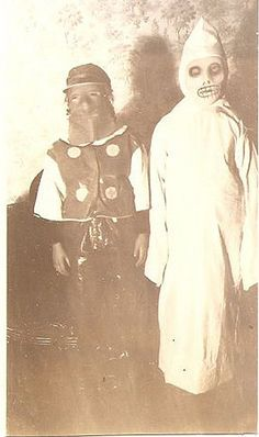How creepy! Kids costumes back then 20 Amazingly Creepy Vintage Photographs