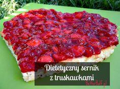 Dietetyczny sernik to jedno z najłatwiejszych słodyczy. Sernik najłatwiej odchudzić :) jako, że sezon na truskawki w pełni wykorzysta...
