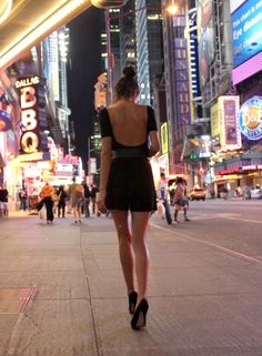 43 Best Ideas For Photography City Girl New York Hot Yoga, Mon Panache, Concrete Jungle, Favim, City Girl, City Style, Look Cool, Belle Photo, Night Life