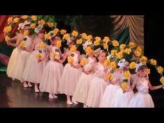 танец с цветами - YouTube