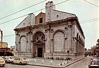 Leon Battista Alberti: San Francesco, 1450-luku, renessanssi Miguel Angel, Notre Dame, Barcelona Cathedral, Building, Travel, Early Modern Period, Venice, Renaissance, Sculpture