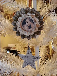 ...cute idea for the Christmas tree, tart tin, lace, pretty graghic......equals a one of a kind treasure