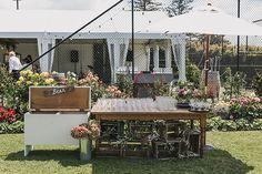 The right way to do an esky at a garden wedding!