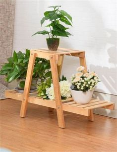 Wood Pallet Furniture Ideas The art of working with wood has so much to offer. From the very skilled woodworkers who do woodworking for a living or the weekend woodworker who does it just for fun, there is something for everyone. Wood Pallet Furniture, Woodworking Furniture, Wood Pallets, Woodworking Projects, Wooden Plant Stands, Diy Plant Stand, House Plants Decor, Plant Decor, Wood Crafts
