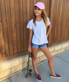 I have comment and message block}} I'm Alex *giggles*lauren is my bestie I hate maddie and Kenzie and yeah *laughs