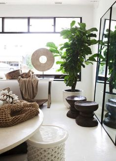 Must Have African inspired Decor african inspired home decor - Home Inspiration Home Decor Styles, Home Decor Accessories, African Interior Design, African Design, African Style, Estilo Tropical, Global Decor, Ethno Style, African Home Decor