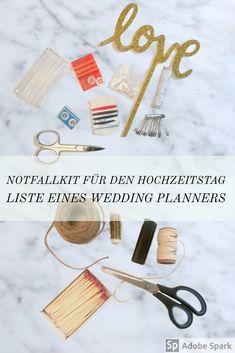 Eine Liste mit Dingen, die ihr auf jeden Fall in eurem Notfallkit bei der Hochzeit dabei haben solltet. Als Wedding Planner bin ich immer über ausgestattet, aber ich habe jedes dieser Dinge irgendwann schon mal gebraucht. #notfallkithochzeit #hochzeitstag #notfallkithochzeitstag Wedding Planner, Place Cards, Place Card Holders, Safety Pins, Graduation Day, Yarn And Needle, Newlyweds, One Day, Wedding Planer