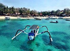 Turquoise waters of Mushroom Bay - Nusa Lembogan