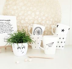 Koffiemokjes en plantenpotjes van Mijn Blij. www.facebook.com/mijnblij