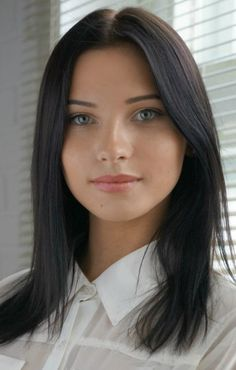 ---ecks, edson----Russian beauty pageant winner Miss Chuvashia Alexandra Bred at age Lovely Eyes, Most Beautiful Faces, Pretty Eyes, Girl Face, Woman Face, Brunette Beauty, Hair Beauty, Brunette Girl, New Girl Style