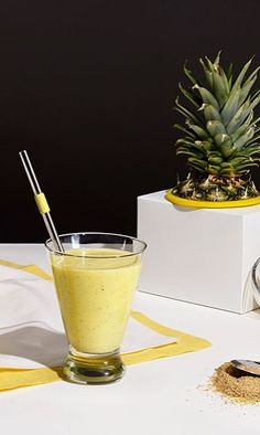 5 easy, healthy smoothies for CRAZY energy tomorrow morning