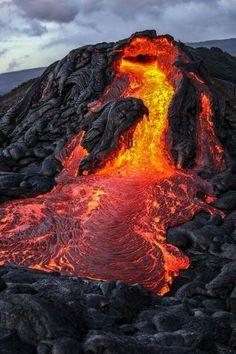 Dramatic lava flow in Hawaii