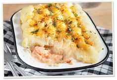 A homely Fish pie, made using our Salmon Pate. Serve as a family classic or hearty filling meal. Team with Roasted Veg for a healthy meal inside or out in the sun. Easy Fish Pie Recipe, Vegetarian Pate, Pie Recipes, Healthy Recipes, Creamed Potatoes, Recipe Using, Summer Recipes, Easy Meals, Stuffed Peppers
