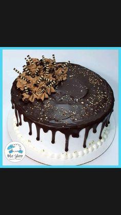 Chocolate Drip Cake Birthday, Chocolate Ganache Drip Cake, Chocolate Birthday Cake Decoration, Chocolate Cake Designs, Chocolate Cakes, Chocolate Buttercream, Buttercream Frosting, Icing, Simple Birthday Cake Designs