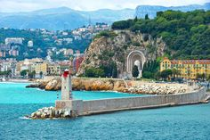 The sunny port of Nice   21 Magical Photos That Will Make You Fall In Love With France