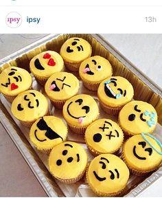 Emoji cupcakes. Saw on @ipsy Instagram