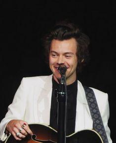 Harry on stage tonight Philadelphia, US June 15, 2018