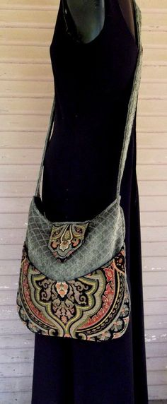Tapestry #Bag Bohemian #Green by piperscrossing....no pattern - just #great pattern & color - inspirational