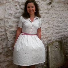 En robe Cami de #paulinealice pour ce deuxième jour du #mmmay16 . Comme on peut le constater, il y a du vent à La Rochelle, la robe s'envole! #paulinealicepatterns #camidress #jeportecequejecouds #couture #memademay #memademay16