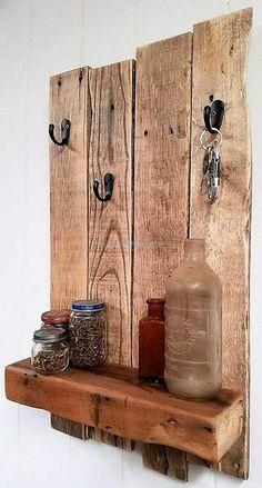 wooden pallet shelf and key holder