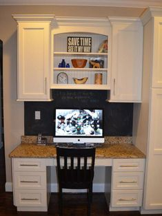 Kitchen Desks Design, Pictures, Remodel, Decor and Ideas - page 58 cute kid's room idea. This is our layout! Kitchen Office Nook, Kitchen Desk Areas, Kitchen Desks, Kitchen Redo, New Kitchen, Office Cupboards, Office Shelving, Office Desk, Design Typography