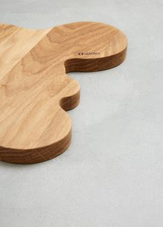 Iittala Medium Wood Serving Platter in Oak Alvar Aalto, Art Object, Serving Platters, Wood, Medium, Friends, Products, Essen, Amigos