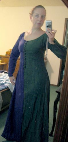Parti-Colored Kirtle Of Doom! (Almost Finished!) | Flickr - Photo Sharing!  (Hee, found Apryl again!)
