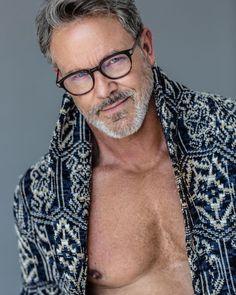 Male model based in New York / South Florida. Short Sleeve Jean Jacket, Mature Mens Fashion, Grey Hair Men, Handsome Older Men, Mother Agency, Best Model, Geek Chic, Muscle Men, Bearded Men
