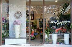 Window display. Escaparate. www.floresfeliu.com