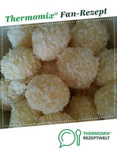 Ein Thermomix ® Rezept aus der Kategorie Backen s… Coconut balls by Arno Koch. A Thermomix ® recipe from the Baking Sweet category www.de, the Thermomix® Community. Easy Smoothie Recipes, Rice Recipes, Baby Food Recipes, Snack Recipes, Snacks, Dinner Recipes, Biscuits Au Caramel, Coconut Balls, Pumpkin Spice Cupcakes