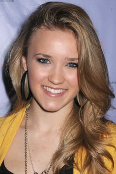 Emily Osment's medium blonde hair. http://beautyeditor.ca/2013/02/12/reader-hair-consultation-bill-angsts-advice-for-christina