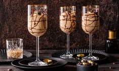 15 Yummy Keto Diet Snacks for Rapid Weight Loss - Diet Plan Baileys Dessert, Mousse Dessert, Baileys Creme, Flower Wallpaper, Wine Glass, Sweet Tooth, Deserts, Food And Drink, Sweets