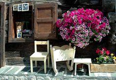 Livigno Alps, Fairytale, Places, Exterior, Outdoors, Home Decor, Travel, Courtyards, Climbing