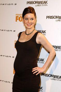 Pregnant Sarah Wayne Callies (2000×3008)
