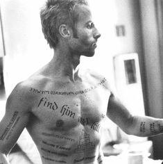 Картинки по запросу memento tattoos