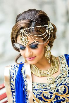 15 Indian Wedding Hairstyles For A Traditional Look Indian Bridal Makeup, Asian Bridal, Bridal Hair And Makeup, Bride Makeup, Indian Dresses, Indian Outfits, Blue Dresses, Indian Wedding Hairstyles, Bridal Hairstyles