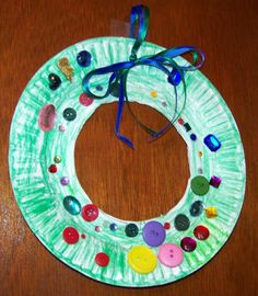 Perfect little project to make for the grandparents: kids craft christmas wreath paper plates xo