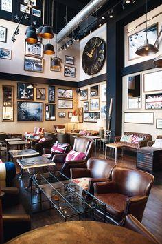 Leather Chairs, leather sofa, photo gallery  - The Lobby Café | Galería de fotos 14 de 20 | AD