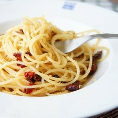 Spaghetti with toasted bread crumbs and sun dried tomatoes