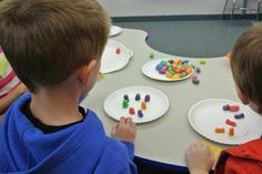 Magic Nuudles in the Classroom! Paper plates work as a great learning surface to use with Magic Nuudles! Creative Play, Pretend Play, Teaching Art, Paper Plates, Early Childhood, Surface, Classroom, Magic, Learning